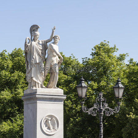 pillar statues on the castle bridge