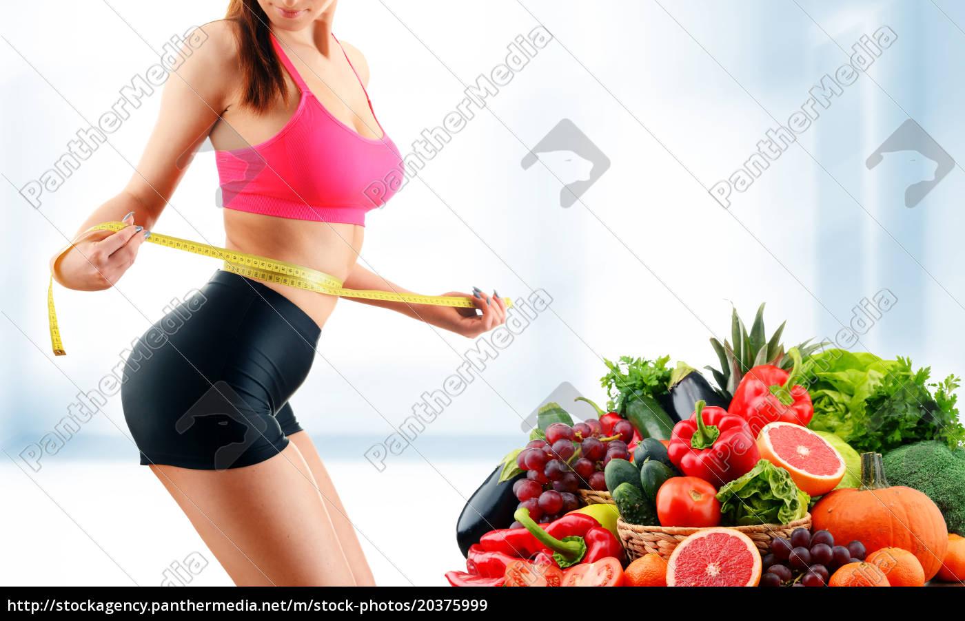 balanced, diet, based, on, raw, organic - 20375999