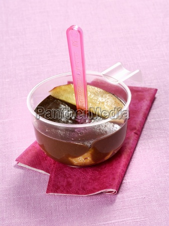 chocolate pudding with peaches