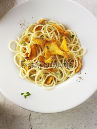 spaghetti with chanterelle mushrooms sauteed in