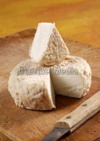 robiola di roccaverano italian goats cheese