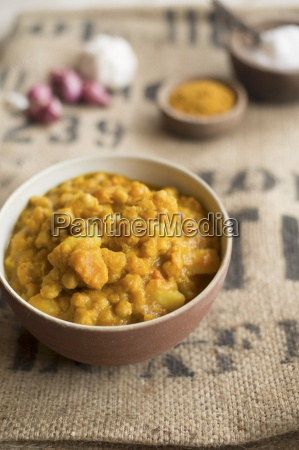 a pumpkin and chickpea curry
