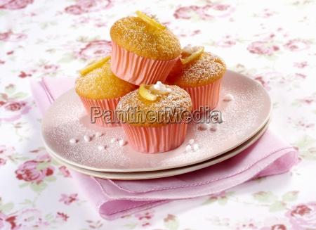 lemon vanilla cupcakes with sugar