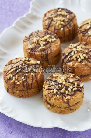 mini sponge cakes with chocolate and
