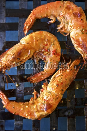 grilled king prawns with piri piri