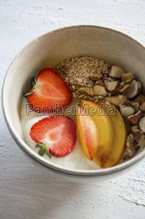 a breakfast bowl with amaranth yoghurt