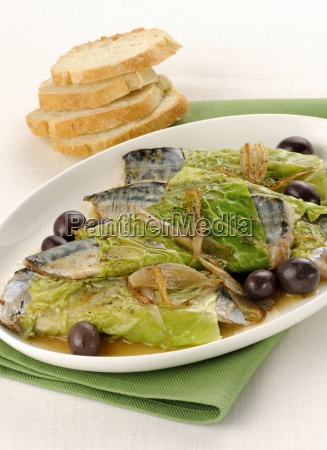 mackerel wrapped in savoy cabbage with
