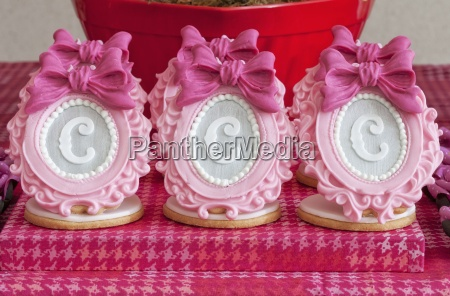 elaborate sugar decorations with letters on