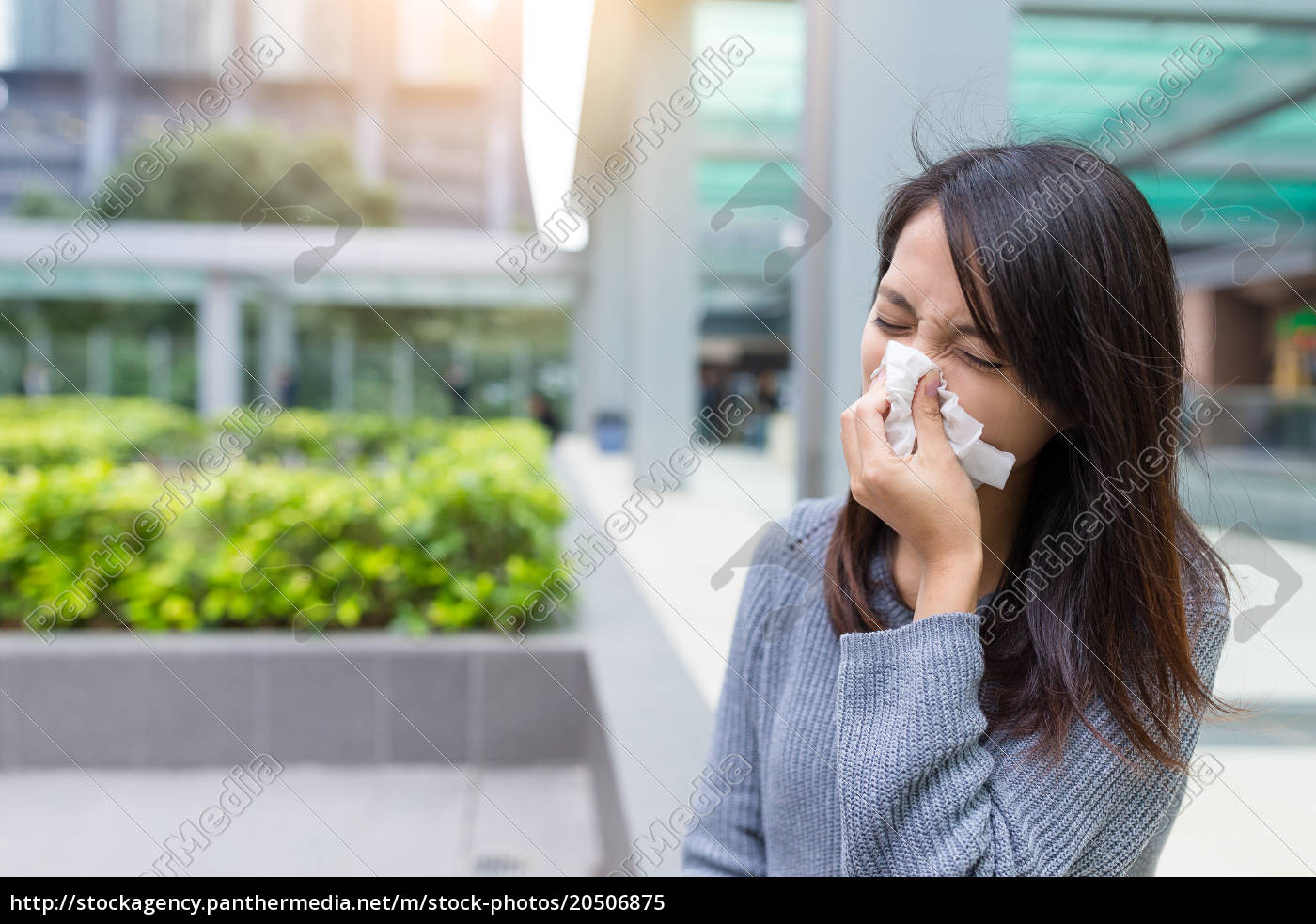 business, woman, sneezing, at, outdoor - 20506875