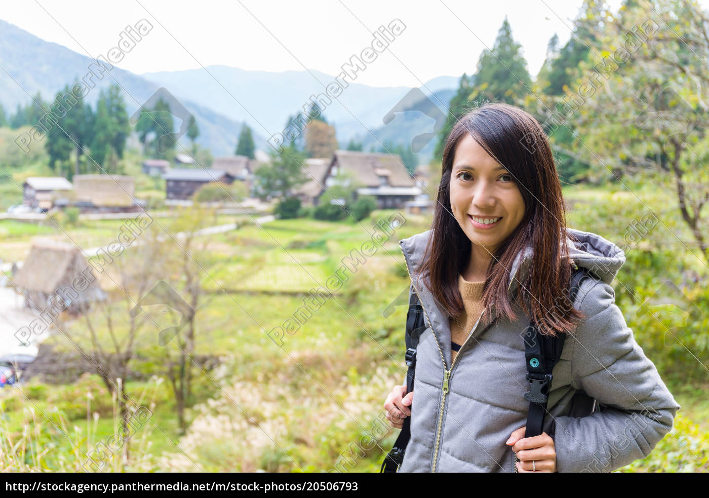 woman, travel, in, shirakawago - 20506793