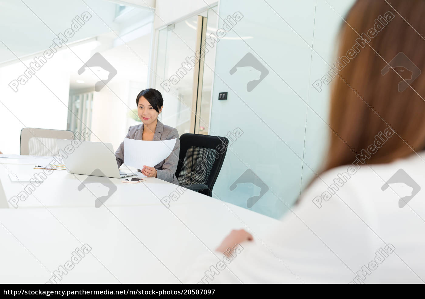 business, woman, using, laptop, computer, in - 20507097