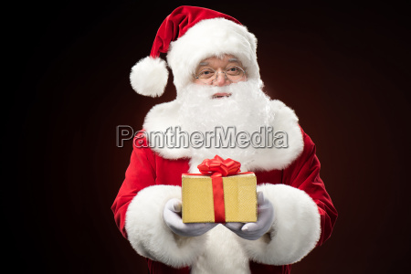 santa, claus, with, gift, box, in - 20508247