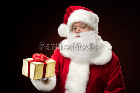 santa, claus, with, gift, box, in - 20508251