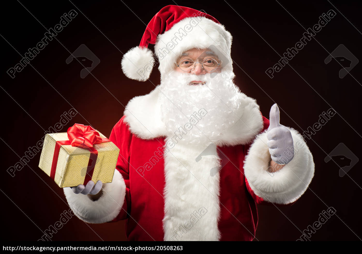 santa, claus, with, gift, box, in - 20508263