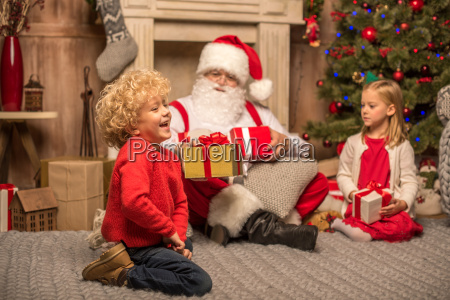 santa, claus, and, children, with, christmas - 20509343