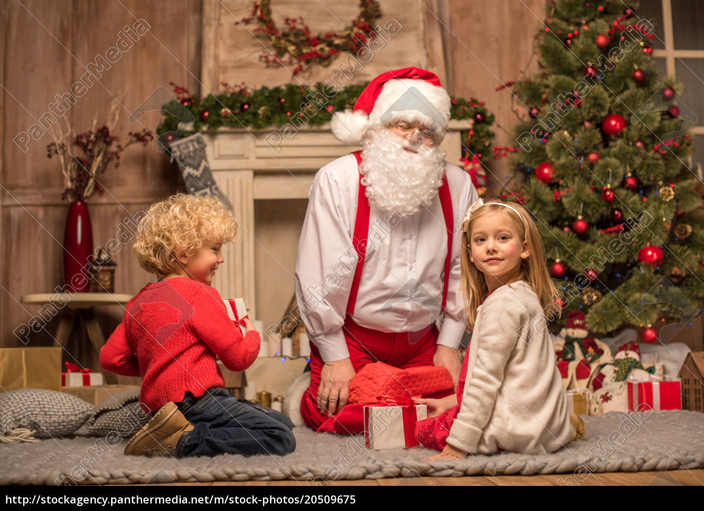 santa, claus, and, children, with, christmas - 20509675