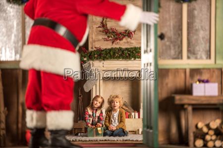 children, waiting, for, santa, claus - 20510813