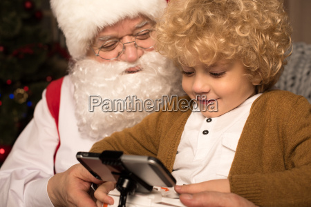 happy, santa, claus, with, kid - 20510239