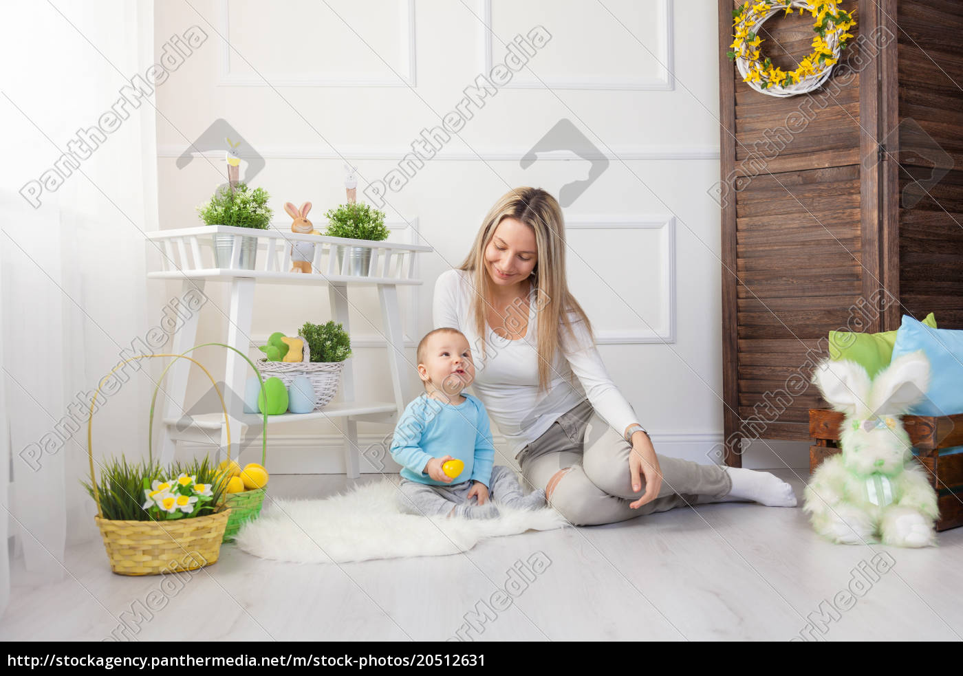 delighted, mother, and, her, child, enjoying - 20512631