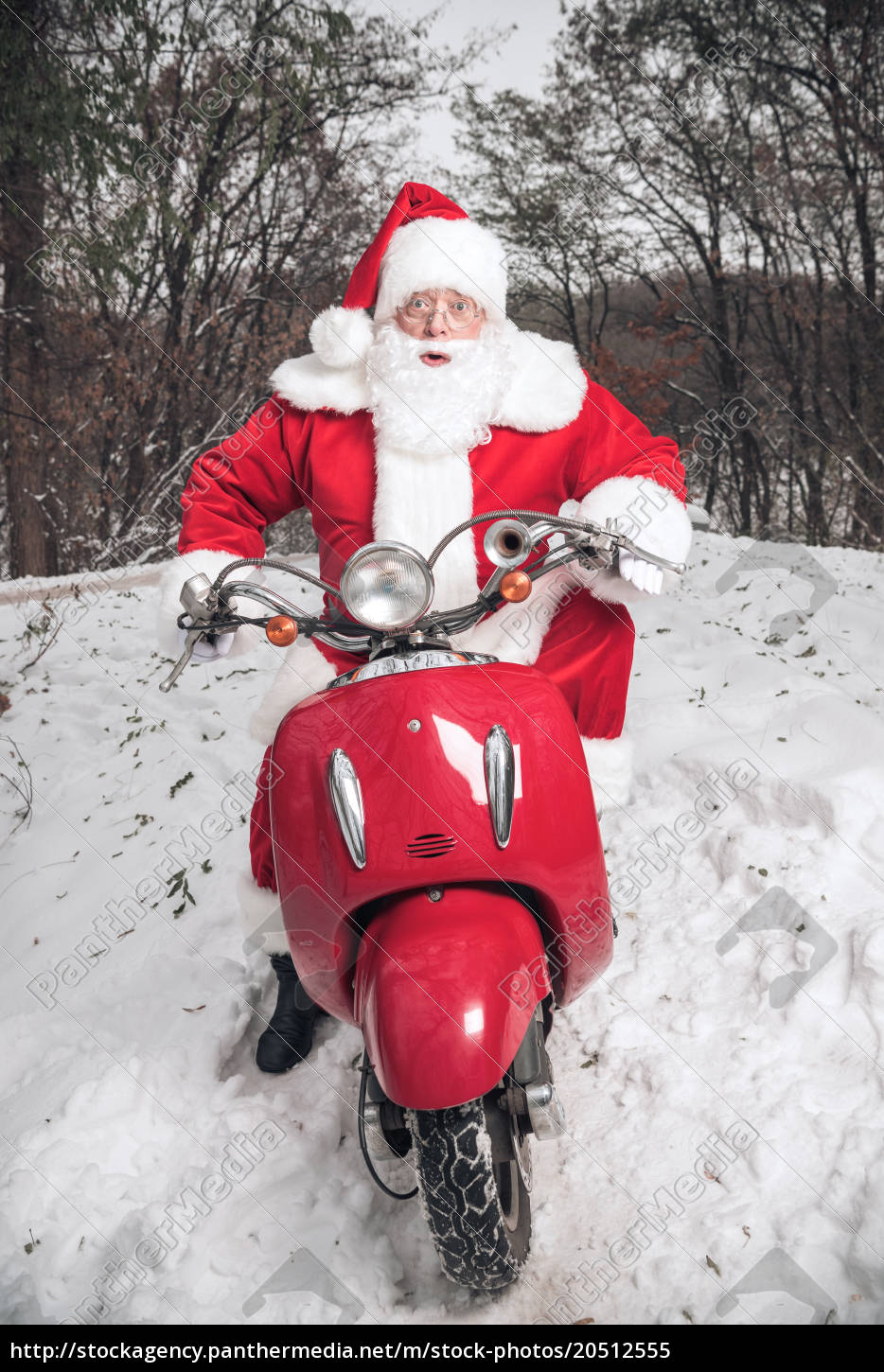 santa, claus, riding, on, scooter - 20512555