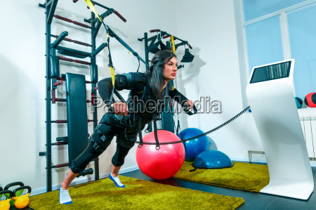 the, female, athlete, doing, they, exercise - 20512049