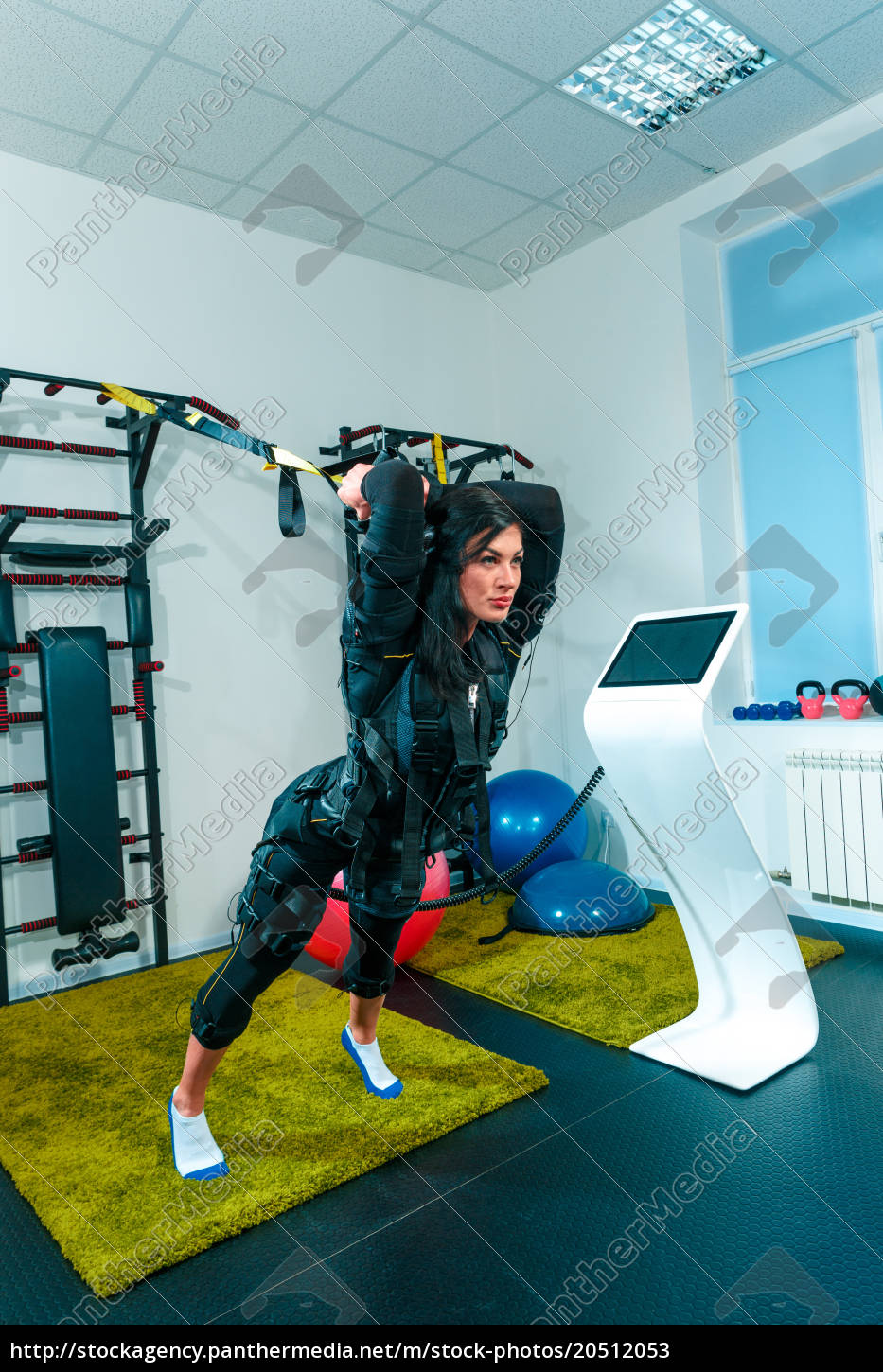 the, female, athlete, doing, they, exercise - 20512053