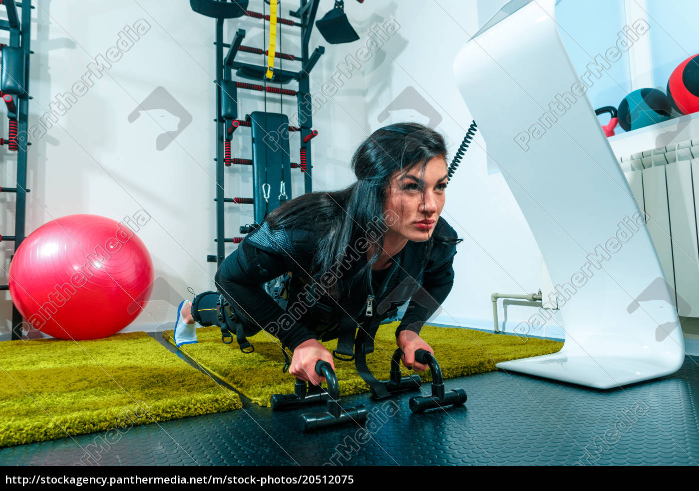 the, female, athlete, doing, they, exercise - 20512075