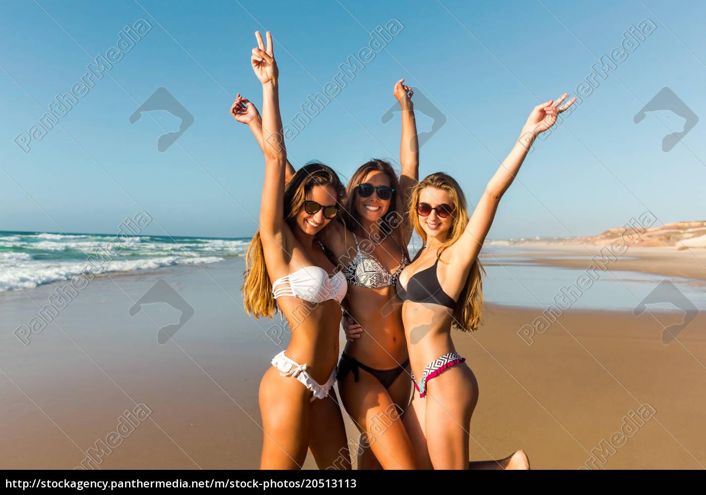 a, day, on, the, beach - 20513113