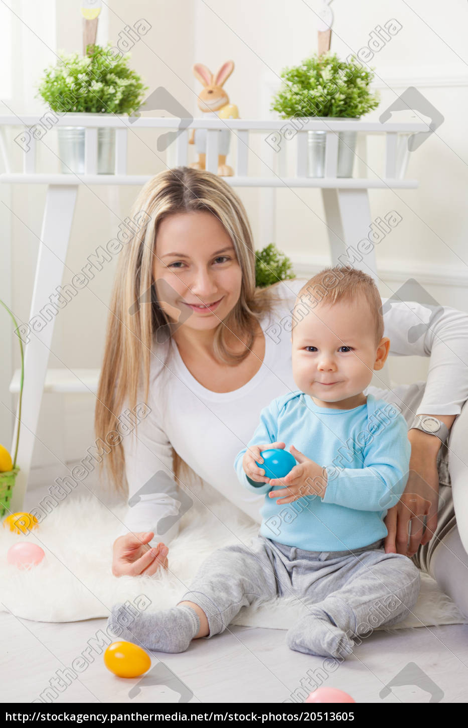 delighted, mother, and, her, child, enjoying - 20513605
