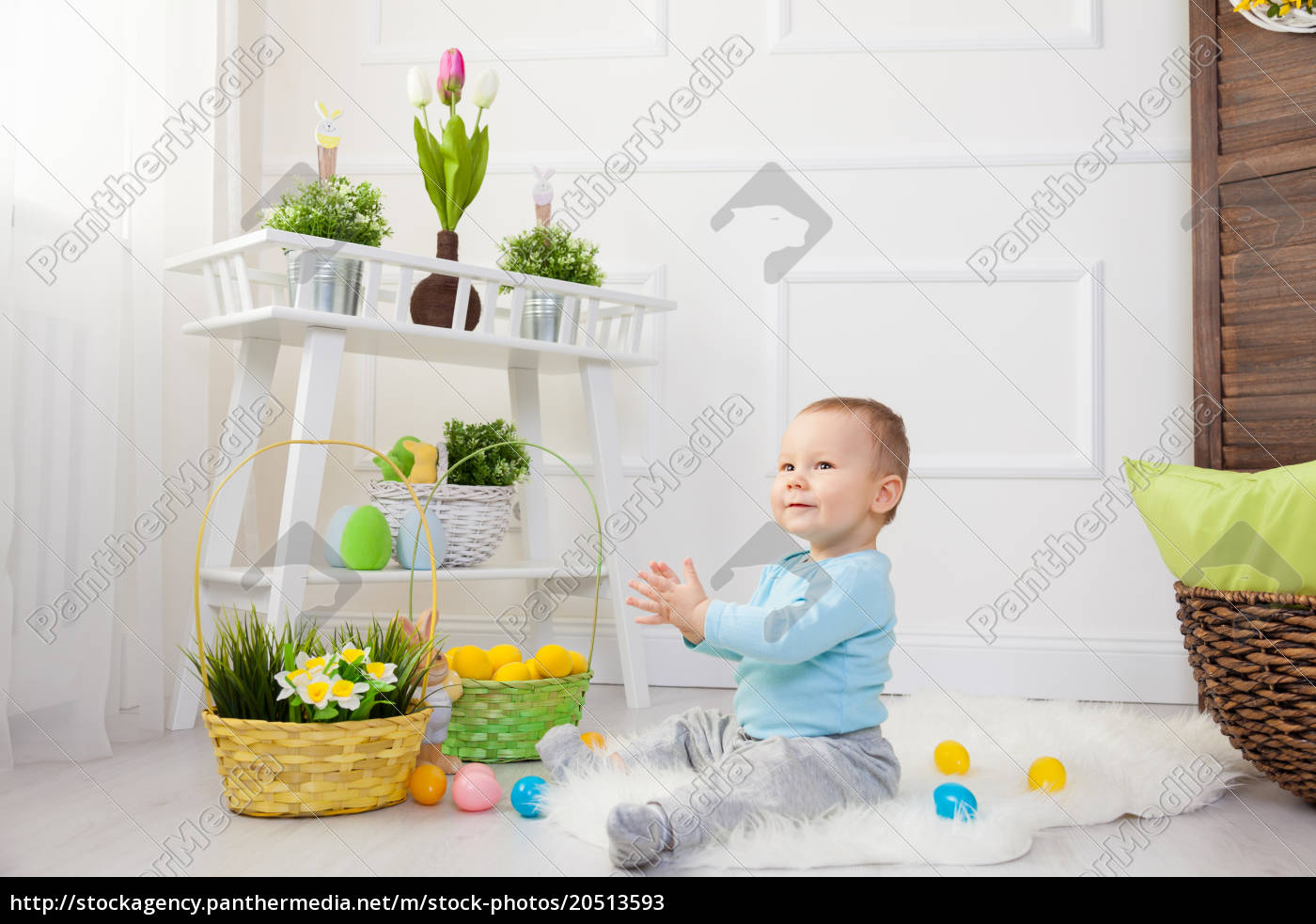 easter, egg, hunt., adorable, child, playing - 20513593