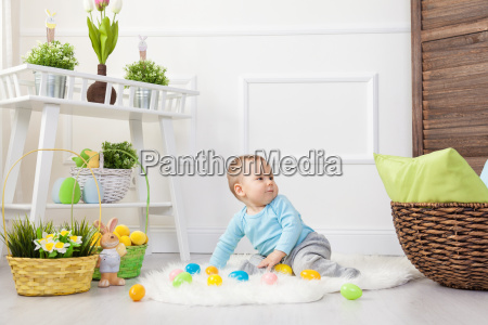easter, egg, hunt., adorable, child, playing - 20513623