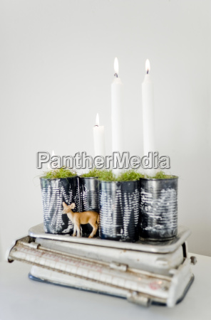 upcycling of preserve cans as advent