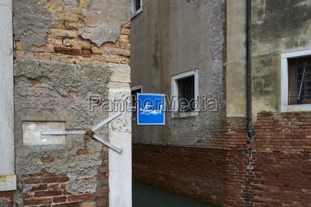 italy venice gondola sign at house
