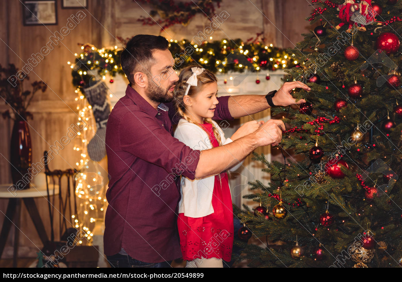 father, and, daughter, decorating, christmas, tree - 20549899