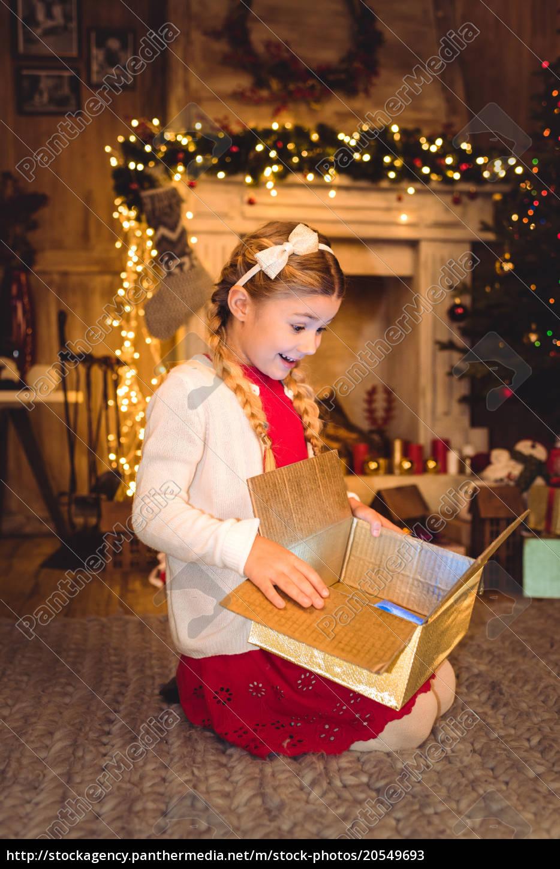 girl, opening, christmas, present - 20549693