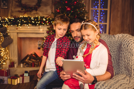 happy, father, with, children - 20549679