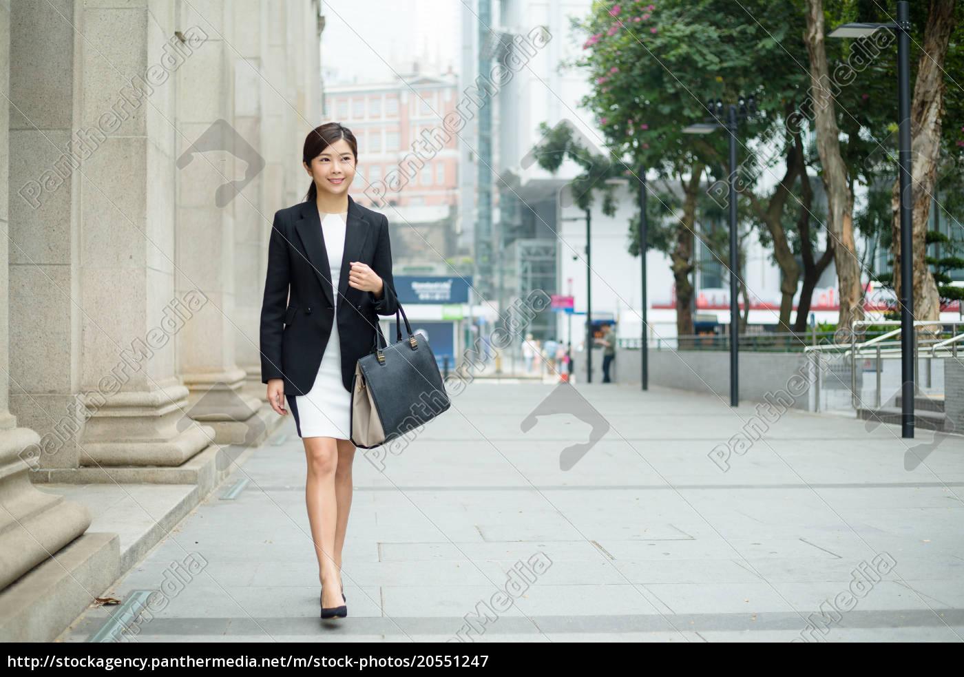 businesswoman, walking, at, outdoor - 20551247