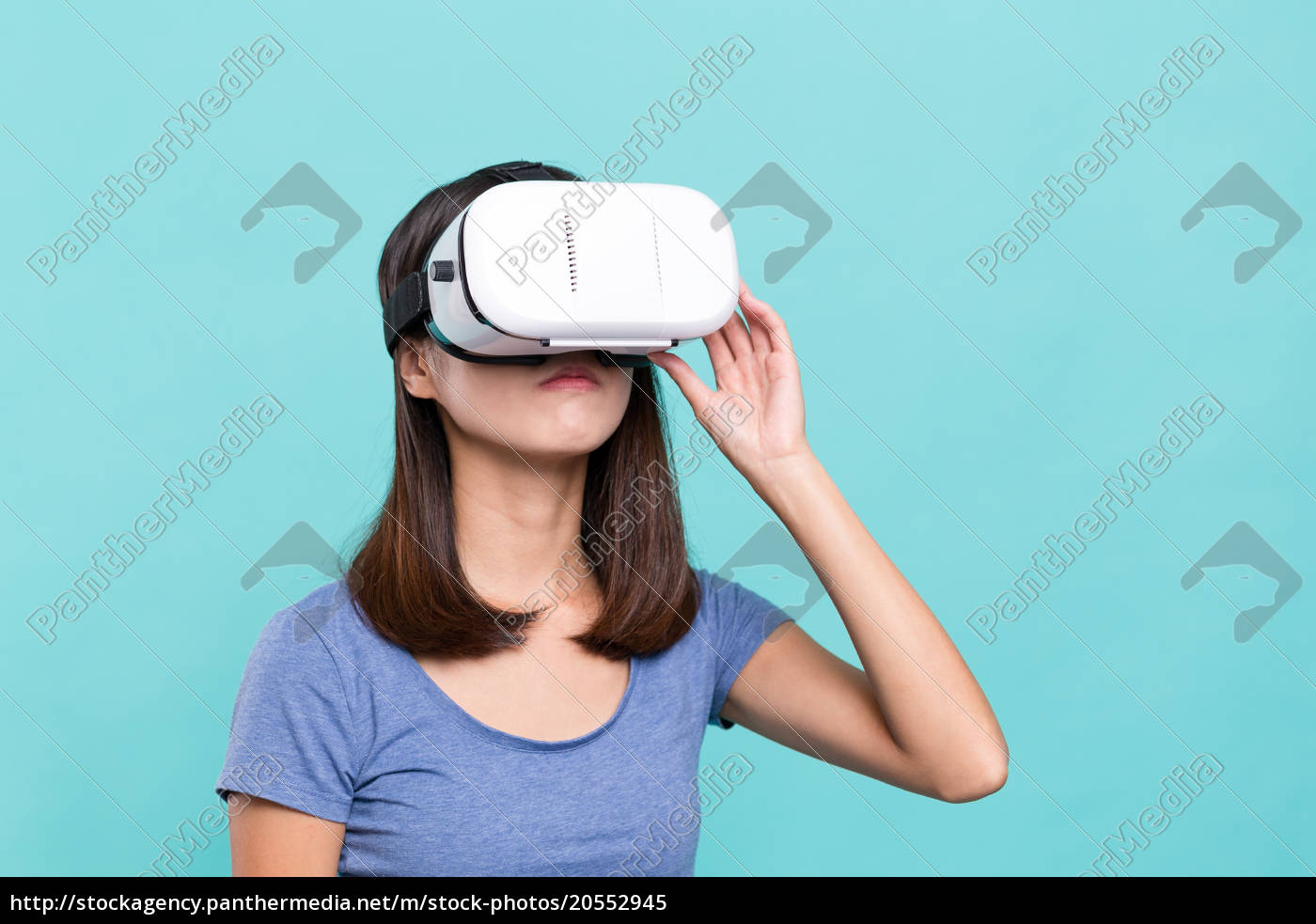 woman, experience, though, vr, device - 20552945