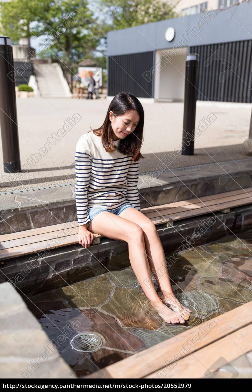woman, foot, soak, onsen - 20552979