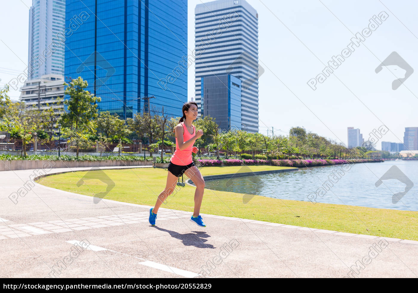 woman, running, at, city - 20552829