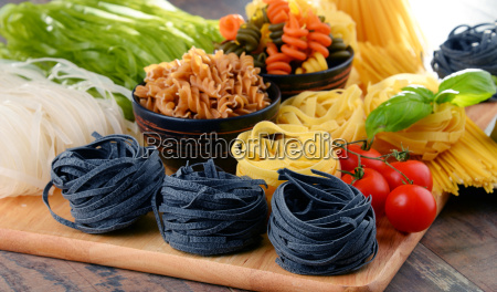 composition, with, different, sorts, of, pasta - 20556387