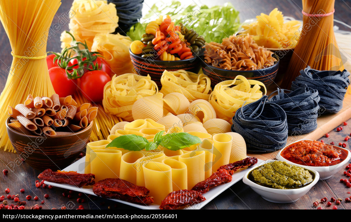 composition, with, different, sorts, of, pasta - 20556401