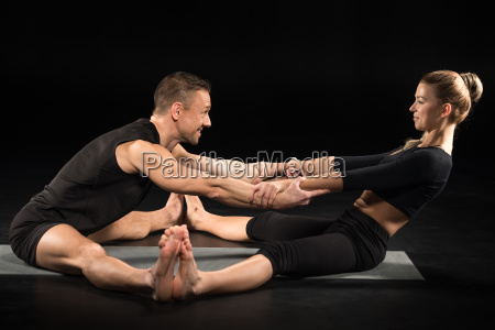 couple, performing, acroyoga - 20556889