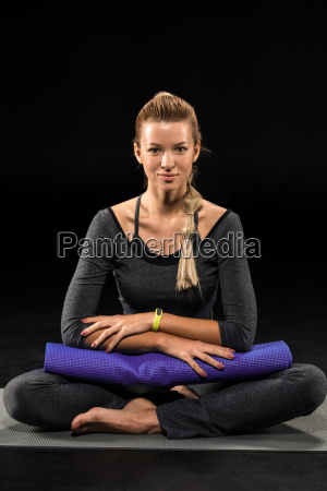 sportswoman, holding, yoga, mat - 20556999