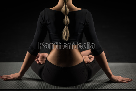 woman, sitting, in, lotus, position - 20556867