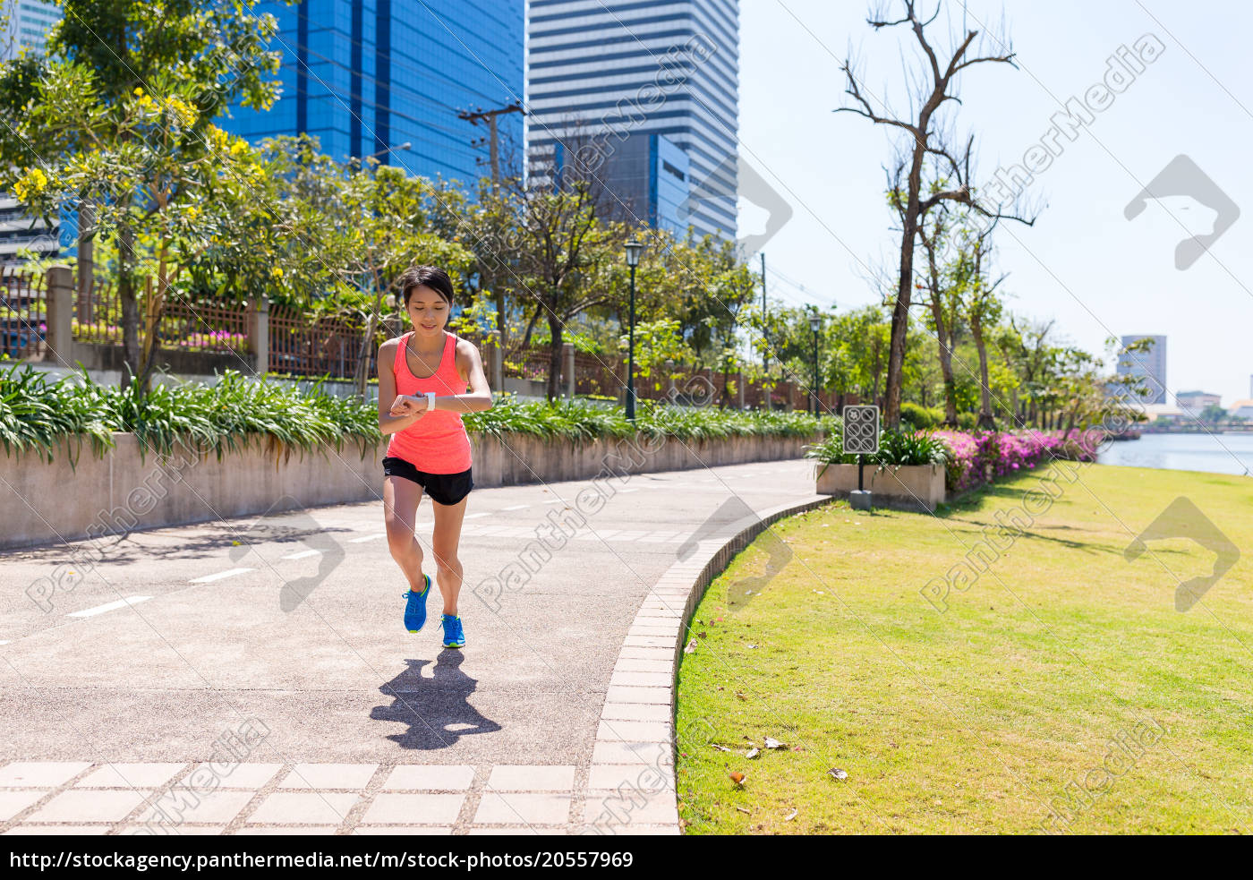 sport, woman, running, and, using, smart - 20557969