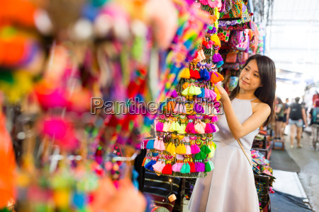 woman shopping at chatuchak weekend market