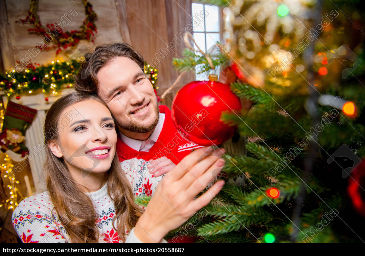 couple, decorating, christmas, tree - 20558687