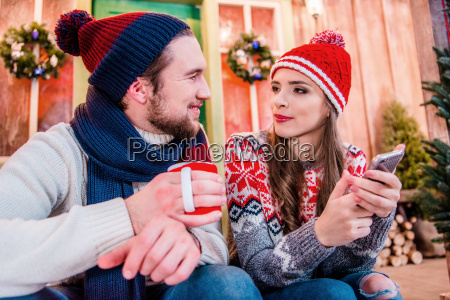 couple, in, warm, clothes - 20558759