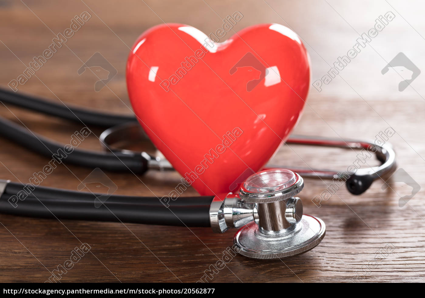 red, heart, with, stethoscope - 20562877